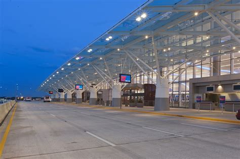Hartsfield-Jackson International Terminal - Acuity Brands