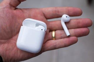 apple airpods 2 when will we get the second earphones