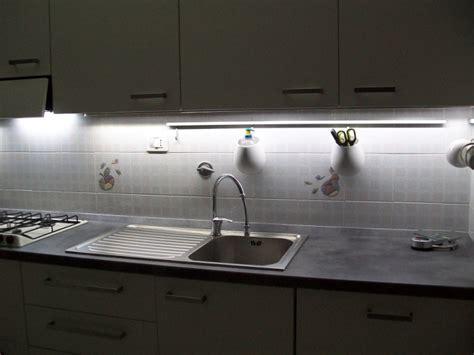 bandeau cuisine bandeau lumineux cuisine obasinc com