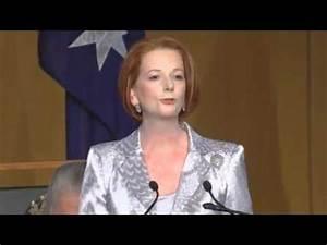 Australian PM Julia Gillard welcomes Queen Elizabeth but ...