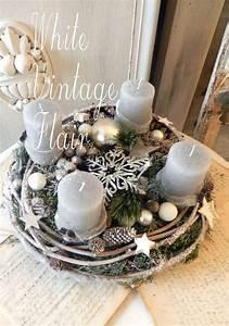 Zweige Weiß Ansprühen : wundersch ner gro er adventskranz in vintage silber grau wei die unterlage ist ein ~ Orissabook.com Haus und Dekorationen