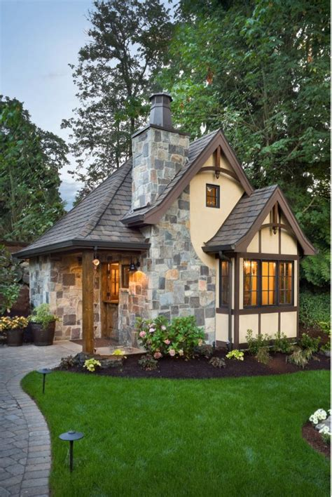 best 25 small cottages ideas on