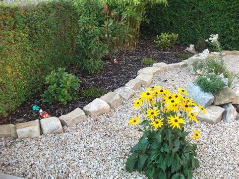family garden gravel ideas  mill  maintenance