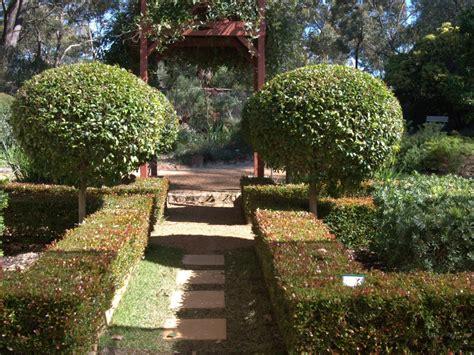 Formal Garden : With Australian Plants