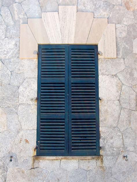 persiane legno come restaurare persiane in legno in 3 semplici mosse