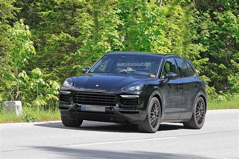 2018 Porsche Cayenne Spied Again, Still A Prototype Mule
