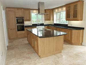 Black granite worktop with cream floor tiles Ιδέες για