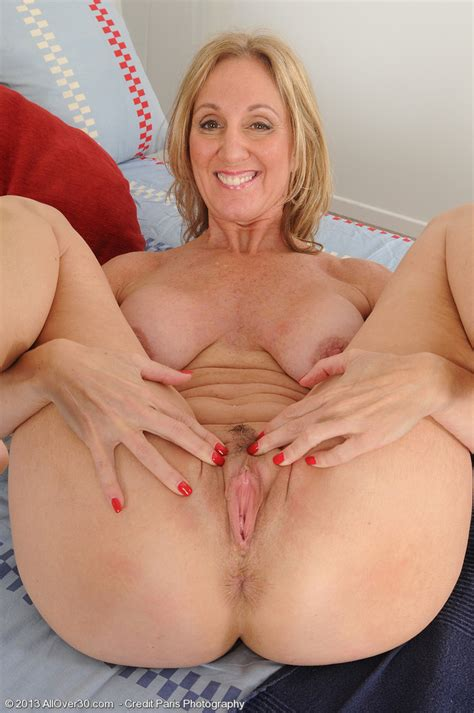 Jenna 2h In Gallery Hot Mature Jennas Feet Juicy Pink Pussy And Butthole Picture 3