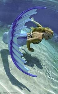 Mermaid Melissa Wears Her  U0026 39 Tail U0026 39  Everyday Can Hold Her