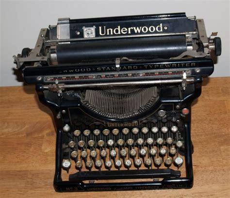 Alte Schreibmaschinen Wert by Underwood Manual Typewriter Value Loadfredream