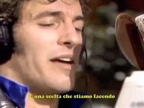 We Are The World Testo Italiano by Noi Siamo Il Mondo Wmv Doovi