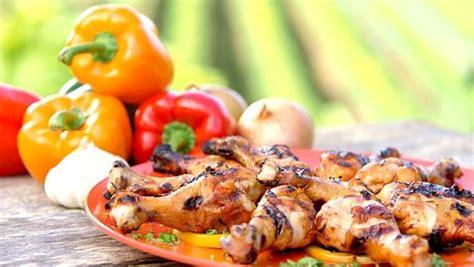 cuisiner une cuisse de poulet 17 best images about brochette de poulet on