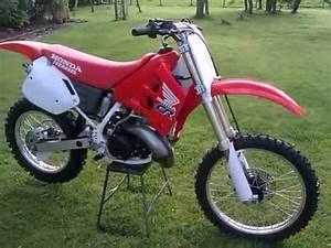 Honda 250 Cr : 1990 honda cr 250 r moto x bike youtube ~ Dallasstarsshop.com Idées de Décoration
