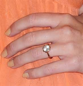 miley cyrus engagement ring miley cyrus engagement ring buy me a rock