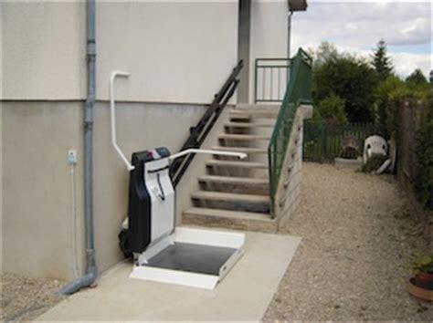 monte personne pour escalier monte escalier uzes monte escalier uz 232 s monte escalier uz 232 s uzes plate forme monte escalier gard