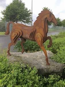 Rost Von Metall Entfernen : pin von realsteeldesign auf pferd skulptur metall stahl ~ Lizthompson.info Haus und Dekorationen