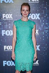 Amy Acker – FOX Upfront in New York City 05/15/2017