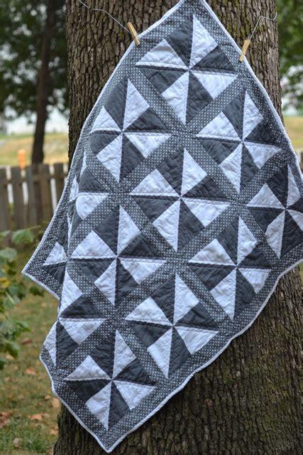 pinwheel quilt bigdiyideascom