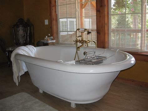 The Biggest Bathtub I've Ever Seen