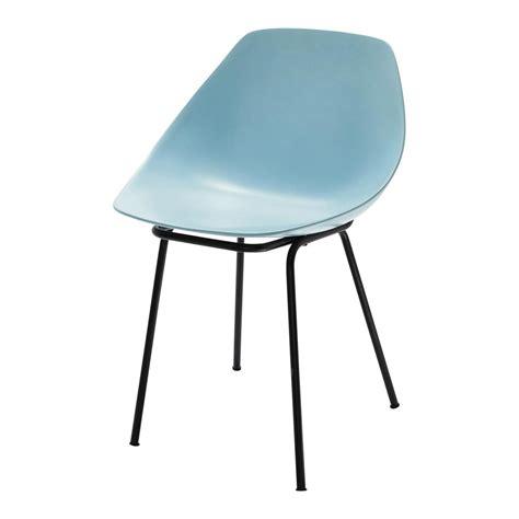 chaise guariche en fibre de verre et m 233 tal bleue coquillage maisons du monde