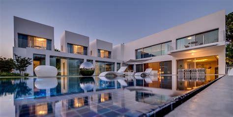 Segmented Cubes Residence Israel by Die Cubes Villa Nestor Sandbank Mr Goodlife