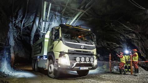trucks headed for a driverless future financial times