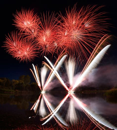 Britzer Garten Feuerwerk by Gro 223 Es Sonnenwendfest Mit Grandiosem H 246 Henfeuerwerk Im