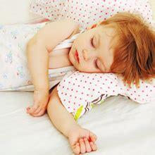 a quel age bébé dort dans sa chambre lit bebe quel age