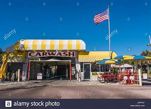 American Car Wash : classic americana a traditional 1950 39 s car wash with american flag stock photo 152166671 alamy ~ Maxctalentgroup.com Avis de Voitures