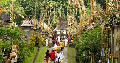 bali full day trip  penglipuran village  bamboo