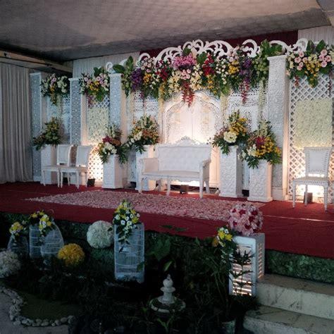 Dekorasi Gebyok Putih Di Griya Raharja Kudus By Idaz