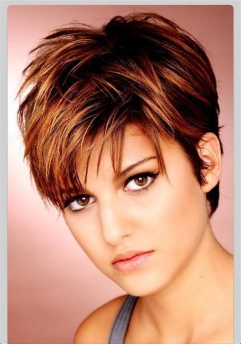 exclusive trendy short hairstyles for round faces