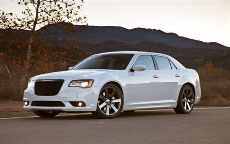 2014 Chrysler 300c Review, Prices & Specs
