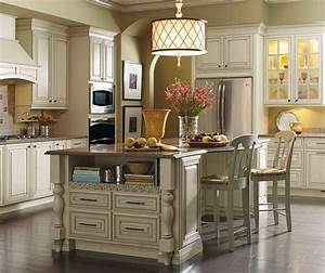 Cream Cabinets with Glaze - Kemper Cabinetry