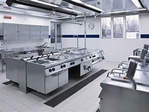 Tavoli e lavelli cucine professionali firenze for Cucine professionali per ristoranti firenze