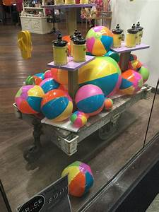 Visual Merchandising Einzelhandel : summer window display visual merchandising retail store summer kindergesch ft pinterest ~ Markanthonyermac.com Haus und Dekorationen
