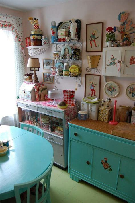 kitsch kitchen accessories 1000 images about vintage home on cupboards 3582