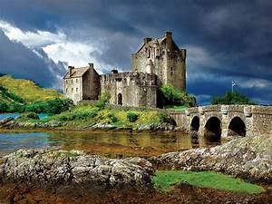 Eilean Donan Castle, Scotland Jigsaw Puzzle ...