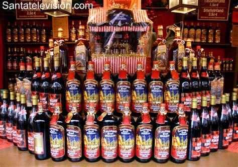 der schönste weihnachtsmarkt in deutschland foto gl 252 hweinflaschen auf dem weihnachtsmarkt in n 252 rnberg deutschland