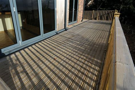 Non Grooved Decking