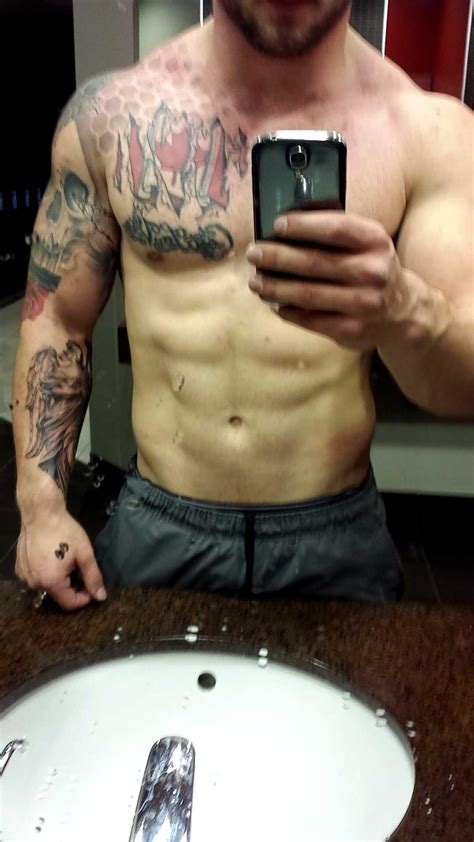 gym    tattoo