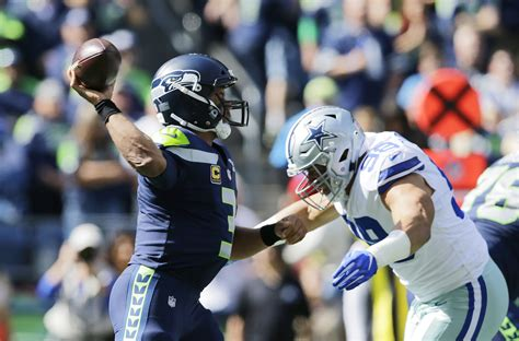preview cowboys prescott seeks st playoff win  wilson