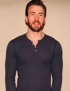 Chris Hemsworth wants a remake of Three Amigos with Chris ...