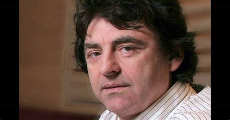 Claude Barzotti, Impuissant Face Au Scandale 'la France