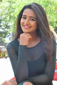 Actress Simran Choudhary Latest Images Teluguodu