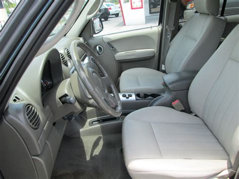 used jeep liberty interior 2005 jeep liberty pictures cargurus