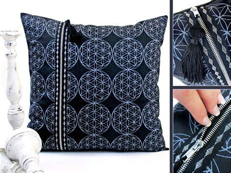 double zipper pillow  decorative stitching sewhome