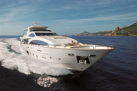 Yacht Luxury by Azimut 105 Luxury Motor Yacht Yacht Charter Superyacht
