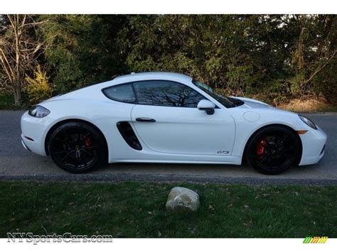 Porsche 718 cayman is available in transmission and offered in 17 colours : 2018 Porsche 718 Cayman GTS in White photo #5 - 278569 | NYSportsCars.com - Cars for sale in New ...