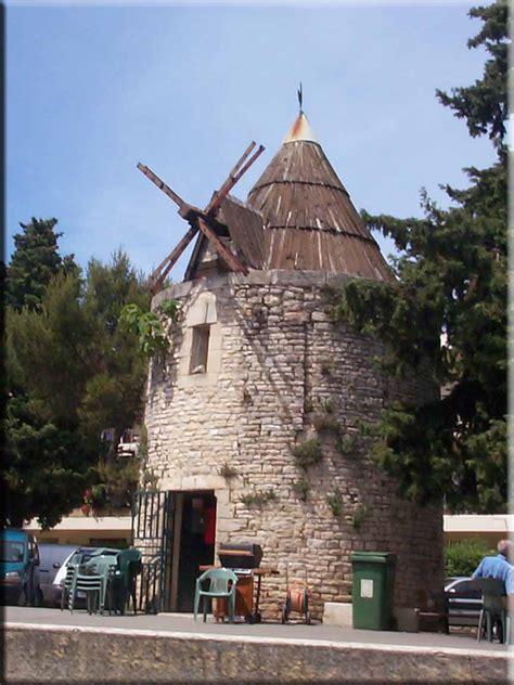 le mont liban nimes le moulin du mont duplan de nimes